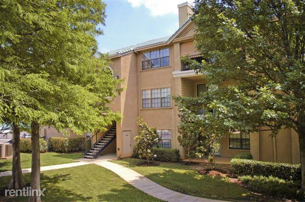 1635 Jefferson Cliffs Way, Arlington, TX