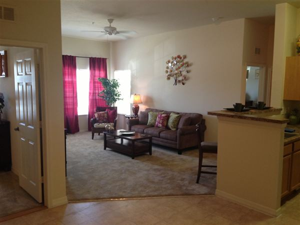 Maple crest apartments fort myers see pics avail for One bedroom apartments fort myers
