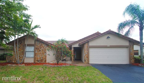 365 Nw 105th Dr, Coral Springs, FL