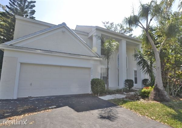 3864 Lancewood Dr, Coral Springs, FL