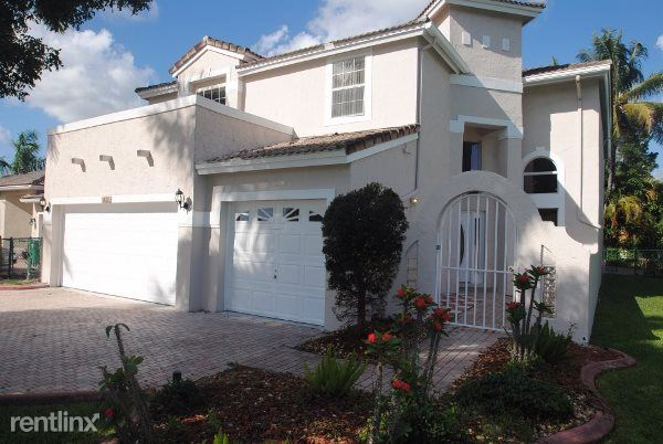 4692 Nw 86th Ln, Coral Springs, FL