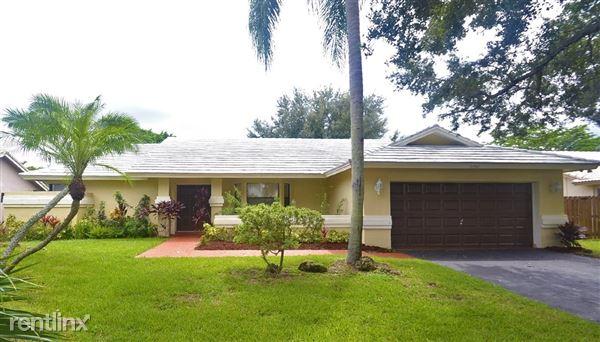 11192 Nw 1st Pl, Coral Springs, FL