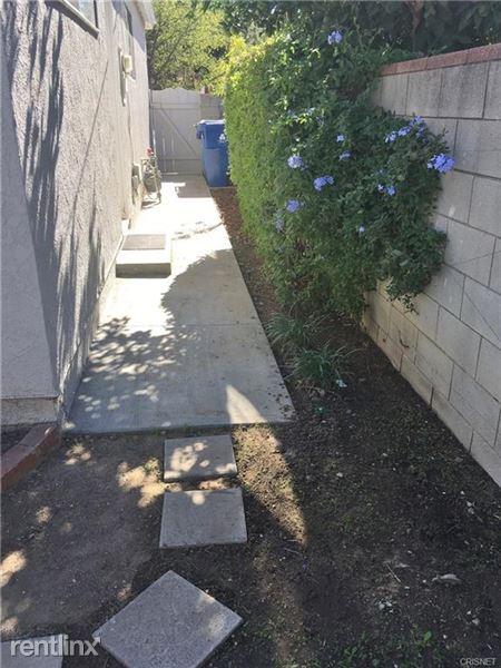 18421 Bessemer St, Tarzana, CA