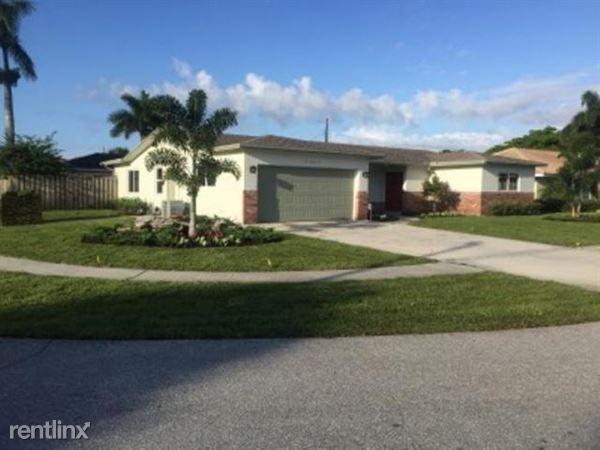 122 Saint Cloud Ln, Boca Raton, FL