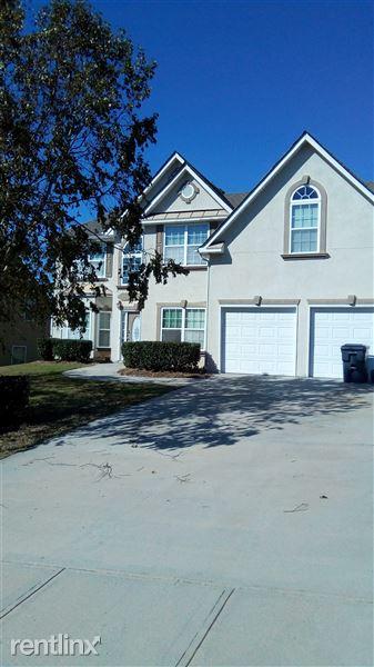 405 Ashley Ln, Loganville, GA