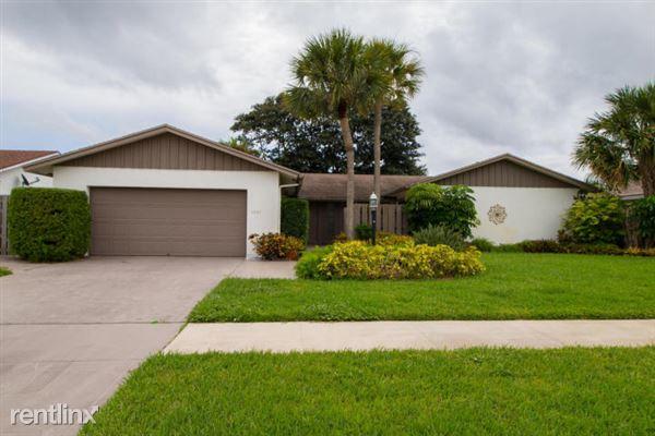 4894 Sugar Pine Dr, Boca Raton, FL