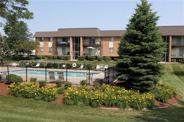Riverland Woods Apartments