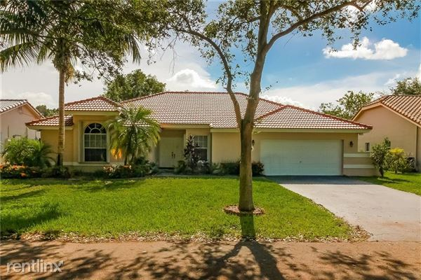 5021 Nw 44th Ave, Coconut Creek, FL