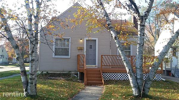 20082 Elkhart St, Harper Woods, MI