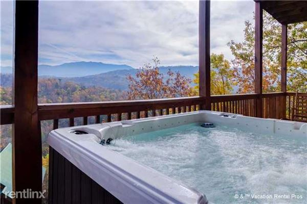 4664 Nottingham Heights Way, Pigeon Forge, TN
