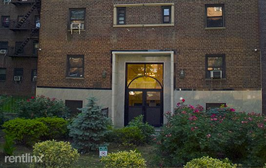 8008 135th St, Briarwood, NY