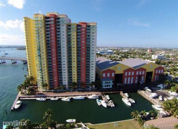2650 Lake Shore Dr, Riviera Beach, FL