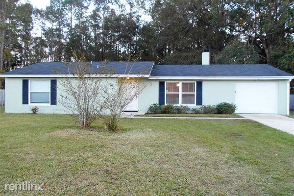 2636 Pinewood Boulevard South, Middleburg, FL