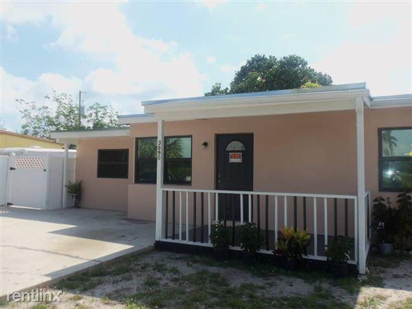3890 Seacrest Blvd, Lantana, FL