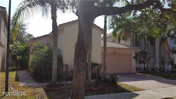 5036 Heron Pl, Coconut Creek, FL