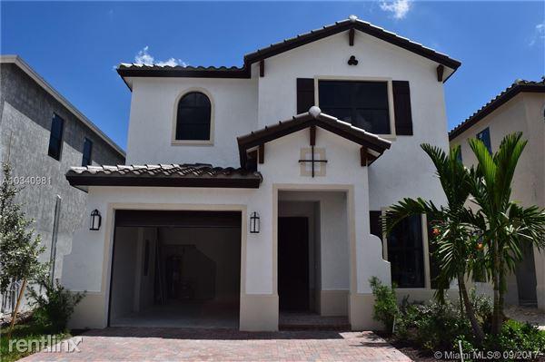 3478 W 97th St, Hialeah Gardens, FL