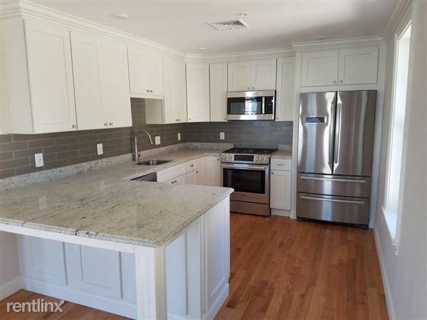 4380 Washington St, Roslindale, MA