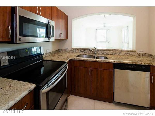 9172 Collins Ave Apt 28, Surfside, FL