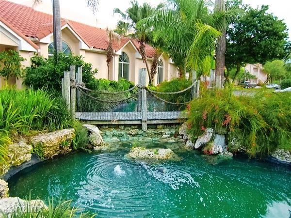 3400 Pinewalk Dr N Apt 933, Margate, FL