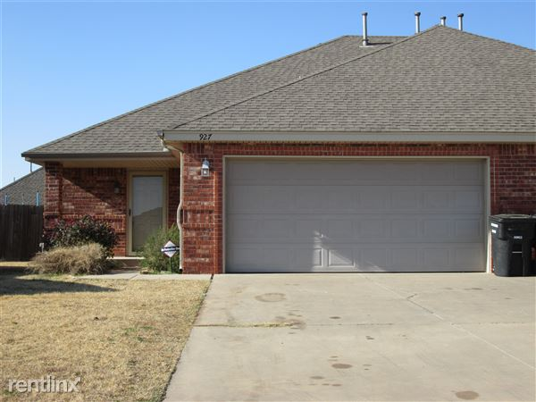 927 Sw 37th St, Moore, OK