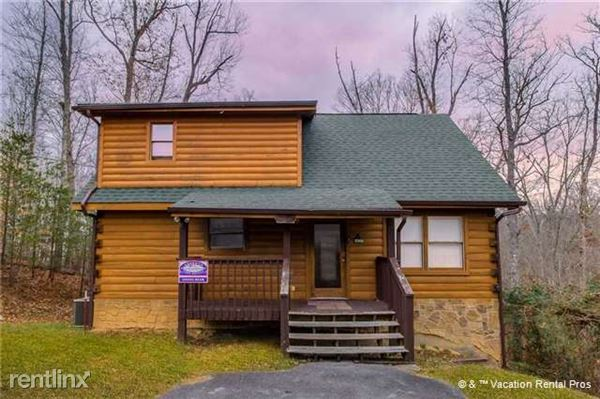 3201 Bear Country Way, Sevierville, TN