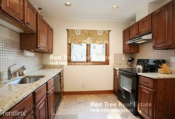86 Chesbrough Rd Apt 1, West Roxbury, MA