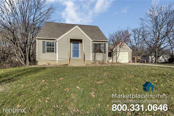 5027 N Edgebrook Dr, Peoria, IL