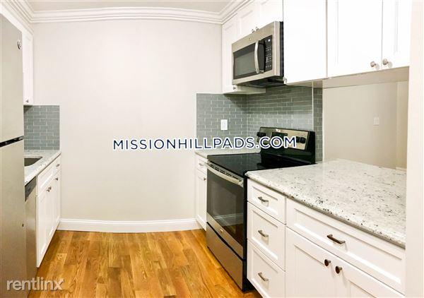 841 Parker St, Mission Hill, MA
