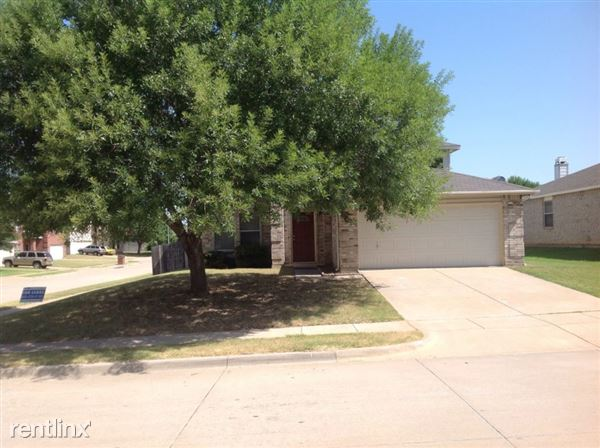 556 Linacre Drive, Crowley, TX
