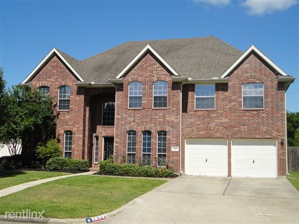 7922 Trophy Place Dr, Humble, TX