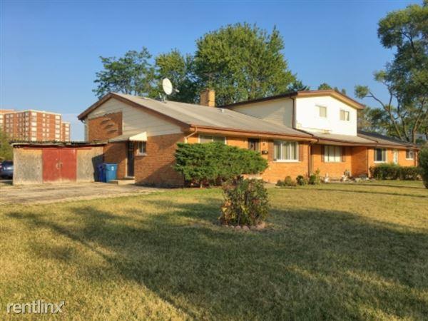 9525 Park Ln, Des Plaines, IL