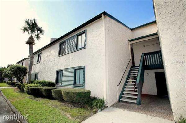 11562 8th St N Apt 703, St Petersburg, FL
