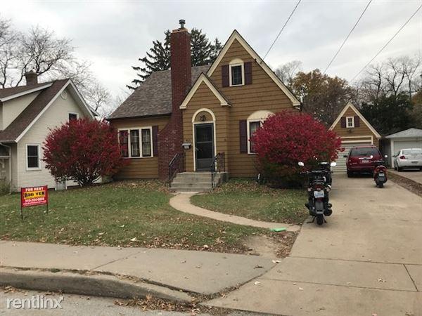 421 Melrose Ave, Iowa City, IA