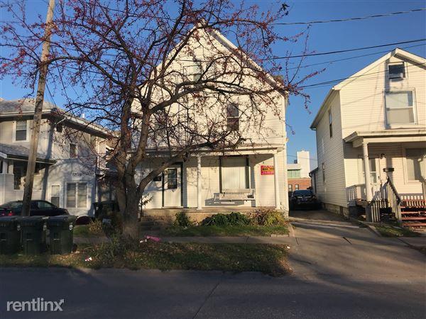 224 N Dubuque St, Iowa City, IA