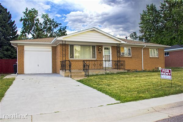 3190 W Saratoga Ave, Englewood, CO