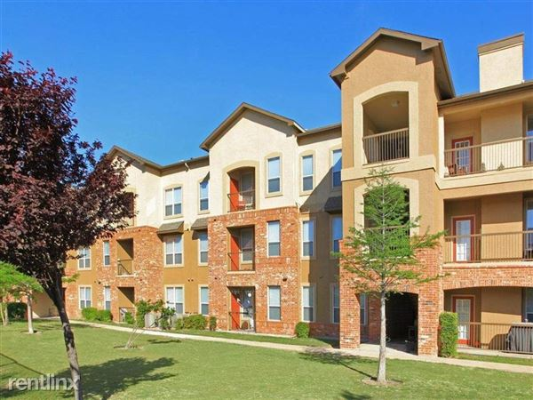 350 Continental Drive, Lewisville, TX