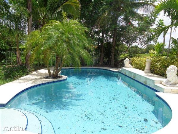 3013 Woodlands Dr, Margate, FL