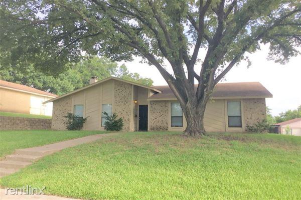 933 Medio Drive, Garland, TX