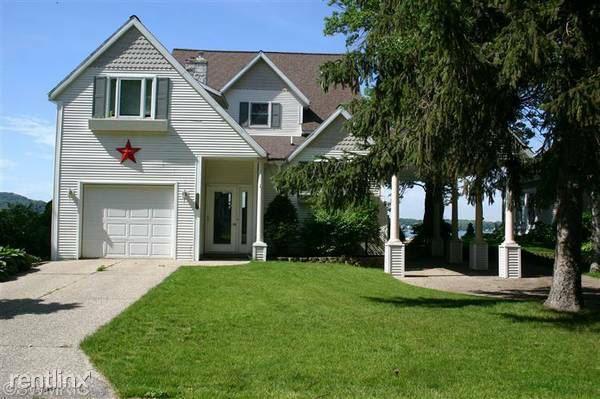 2057 Lakeway Drive, Holland, MI
