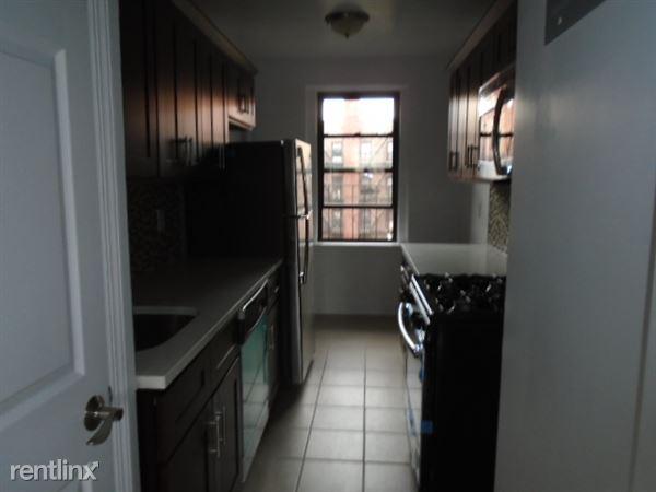 8131 Baxter Ave, Elmhurst, NY