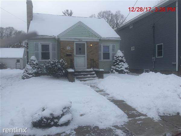 2314 Lyons Ave, Lansing, MI
