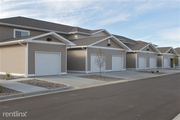 1701 Abraham Pkwy, Dickinson, ND