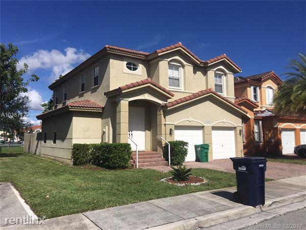 11043 Nw 87th Ln, Doral, FL