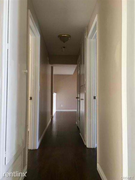 20527 Acre St, Canoga Park, CA