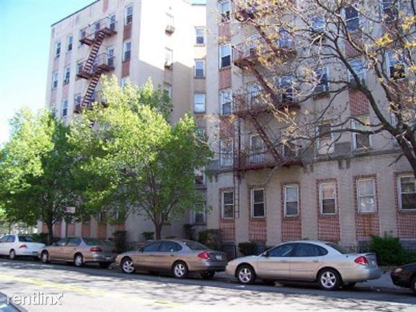 41-16, 47th Avenue 5fl, Sunnyside, NY