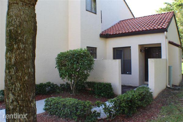 10 Via De Casas Sur Apt 105, Boynton Beach, FL