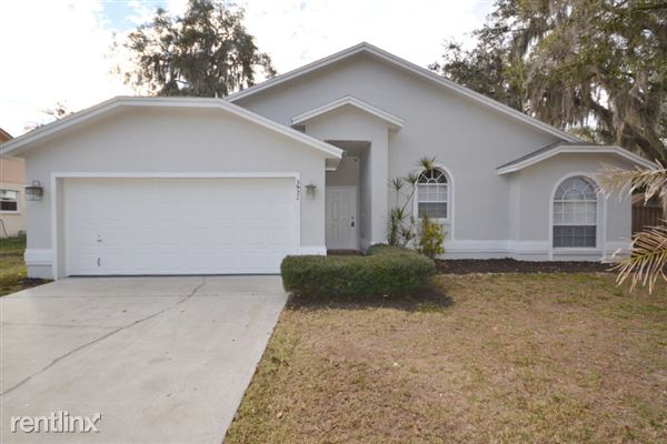 3927 Creek Woods Drive, Plant City, FL