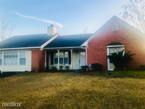 198 Blossom Drive, Ozark, AL