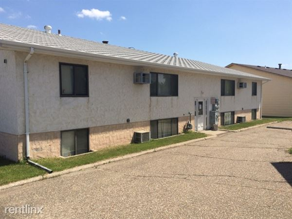 3250 E Thayer Ave, Bismarck, ND