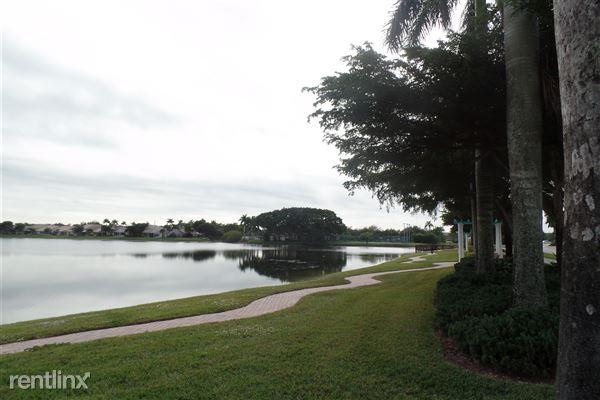 10658 Pelican Dr, Wellington, FL